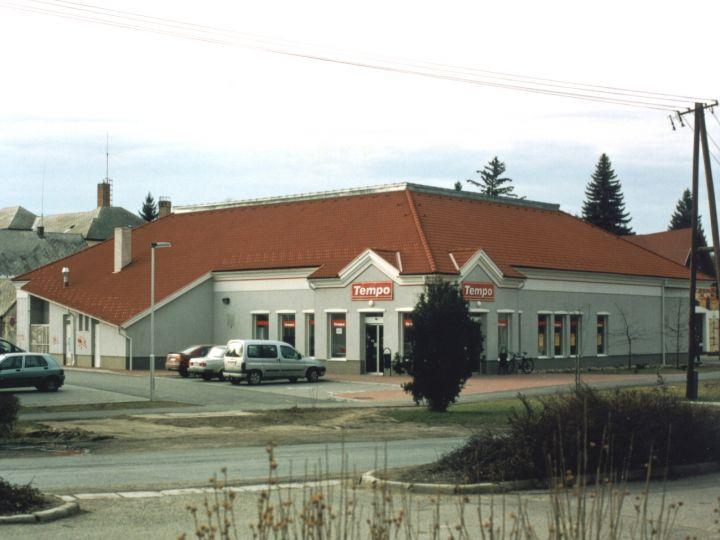 Tempo élelmiszer-áruház Zirc