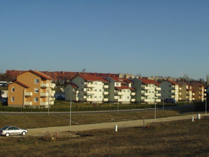 42 lakásos lakópark