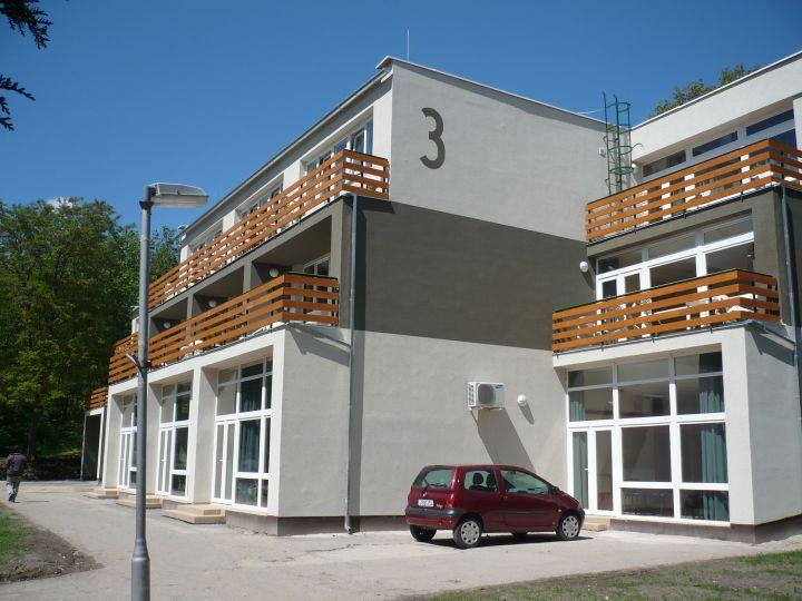 Ifjúsági Centrum szálloda épületek rekonstrukciója