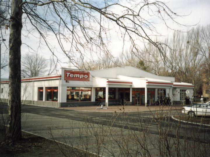 Tempo élelmiszer-áruház Ajka
