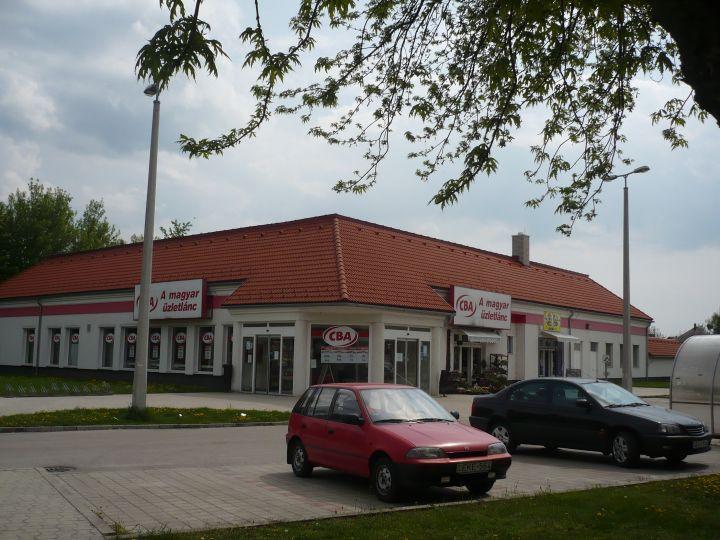 Tempo élelmiszer-áruház - Mór